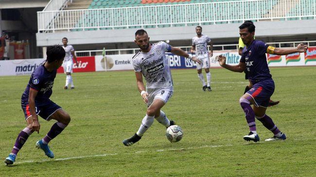 Bali United menang 2-1 atas Persita Tangerang dalam lanjutan pekan keempat Liga 1 di Stadion Pakansari, Bogor, Jumat (24/9) sore.