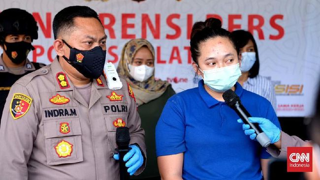 Polres Salatiga menangkap bandar arisan bodong Resa Agata alias Maryuni Kempink di Cirebon. Perempuan 24 tahun itu ditetapkan sebagai tersangka penipuan.