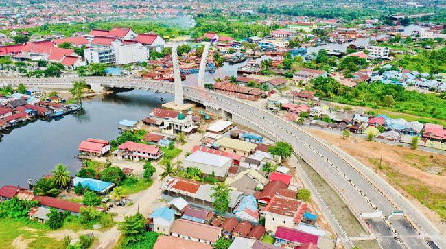 Kementerian PUPR menyatakan siap membuka jembatan Sei Alalak di Kalsel yang menghubungkan Banjarmasin dengan Barito Kuala menuju Kalteng.