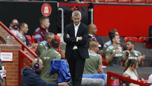 Manchester United diminta untuk memecat Ole Gunnar Solskjaer dari kursi pelatih dan menggantinya dengan Antonio Conte.