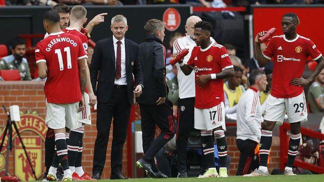 Ole Gunnar Solskjaer sudah berutang janji di Manchester United. Tak heran bila kini ia mulai ditagih dan dikejar untuk melunasinya.
