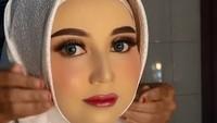<p>Bagaimana menurut Bunda, hasil <em>makeup flawess</em> MUA Reskiyani ini bikin sang pengantin terlalu cantik ya? (Foto: dok. TikTok Reskiiyani)</p>