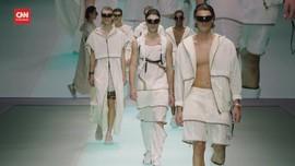 VIDEO: Emporio Armani Rayakan 40 Tahun di Milan Fashion Week