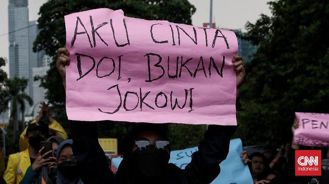 Pegawai KPK nonaktif buka suara jelang 2 hari pemecatan 57 orang yang cacat administrasi langgar HAM sementara Jokowi masih bungkam.
