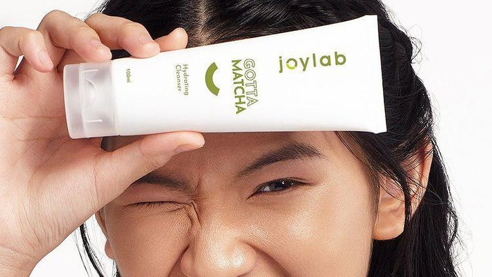 Facial Wash dengan Kandungan Matcha, Solusi Kulit Bebas Jerawat dan Tetap Terhidrasi