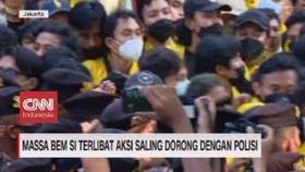 VIDEO: Massa BEM Si Terlibat Aksi Dorong dengan Polisi