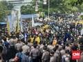 Massa BEM SI Mulai Berhadapan Aparat, Diadang ke Gedung KPK