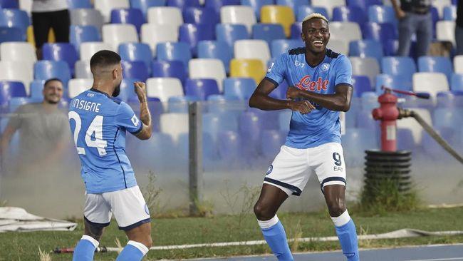Napoli meraih enam kemenangan dari enam laga awal mereka di Liga Italia musim ini usai mengalahkan Cagliari 2-0.