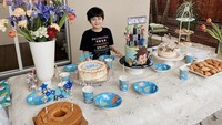 <p>Tema ulang tahun Quenzino yaitu Roblox (online game), sementara tema ulang tahun Zenecka yaitu farm atau peternakan. (Foto: Instagram @carissa_puteri)</p>