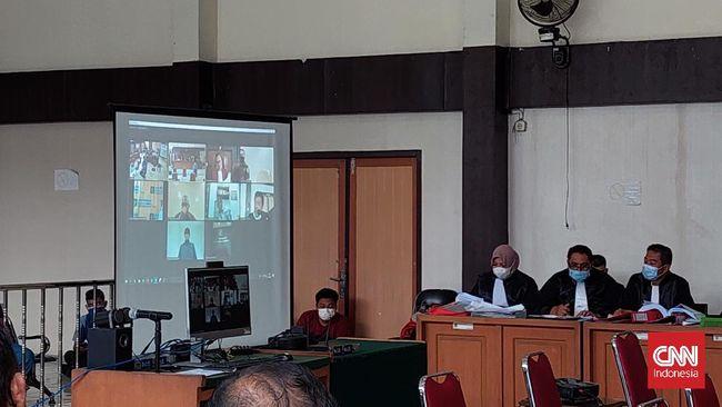 Mantan Gubernur Sumsel Alex Noerdin memberikan kesaksian secara virtual dalam lanjutan sidang korupsi Masjid Sriwijaya di Pengadilan Tipikor Palembang.