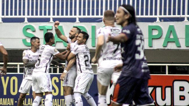 Borneo FC dan Bali United harus puas berbagi angka 1-1 dalam laga pekan kelima Liga 1 2021 di Stadion Indomilk Arena, Tangerang, Selasa (29/9) malam.