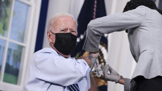 Presiden Amerika Serikat, Joe Biden, menerima booster vaksin Covid-19 menggunakan produksi Pfizer pada Senin (27/9) waktu setempat.