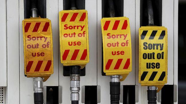 Pemerintah Inggris menyiagakan sejumlah tentara untuk menjaga SPBU di tengah krisis BBM yang melanda.