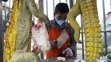 FOTO: Menjajal Kuliner Ekstrem Daging Buaya di Kamboja