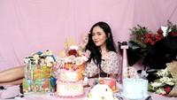 <p>Wanita kelahiran Jakarta, 23 September 1995 itu baru saja genap berusia 26 tahun. (Foto: Instagram @rachelvennya)</p>