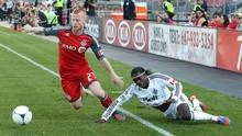 Nasib Tragis Eckersley, Rekan Setim Ronaldo Kini Jualan Susu