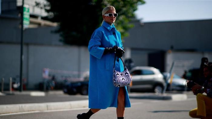 5 Fashion Items Ini Bisa Bantu Sembunyikan Perut Buncit, Kaum Rebahan Wajib Tahu!