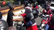 VIDEO: Harga Turun, Peternak Ayam Bagikan Telur Gratis