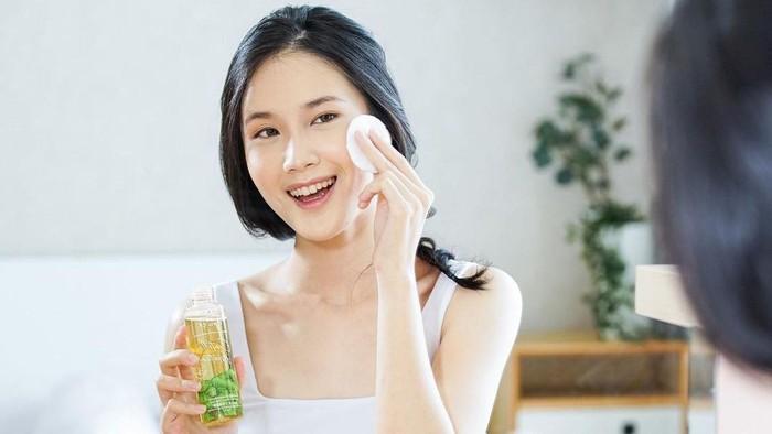 4 Pilihan Toner dengan Kandungan Centella Asiatica, Cocok untuk Meredakan Mask Acne!