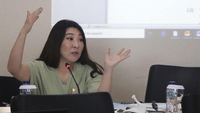 Anggota DPRD DKi yang dipecat PSI, Viani Limardi, pindah ke Komisi A dari semula Komisi D.