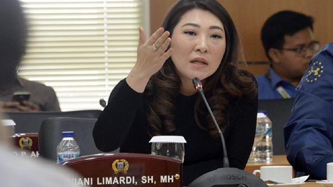 Ketua Fraksi PSI di DPRD DKI menjelaskan ihwal pindahnya Viani Limardi yang telah dipecat partainya dari Komisi D ke Komisi A.