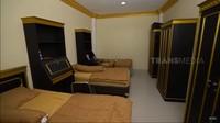 <p>Terakhir, ini potret kamar yang diisi oleh 3 orang, Bunda. Untuk masuk sekolah ini, uang pangkalnya terpatok Rp50 juta dengan SPP Rp5 juta perbulan. Bunda tertarik mendaftarkan si Kakak ke sini? (Foto: YouTube: TRANS7 OFFICIAL)</p>