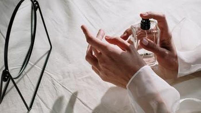 Harganya Beda Jauh! Ini 5 Pilihan Parfum Lokal yang Sering Disebut Dupe Parfum High End