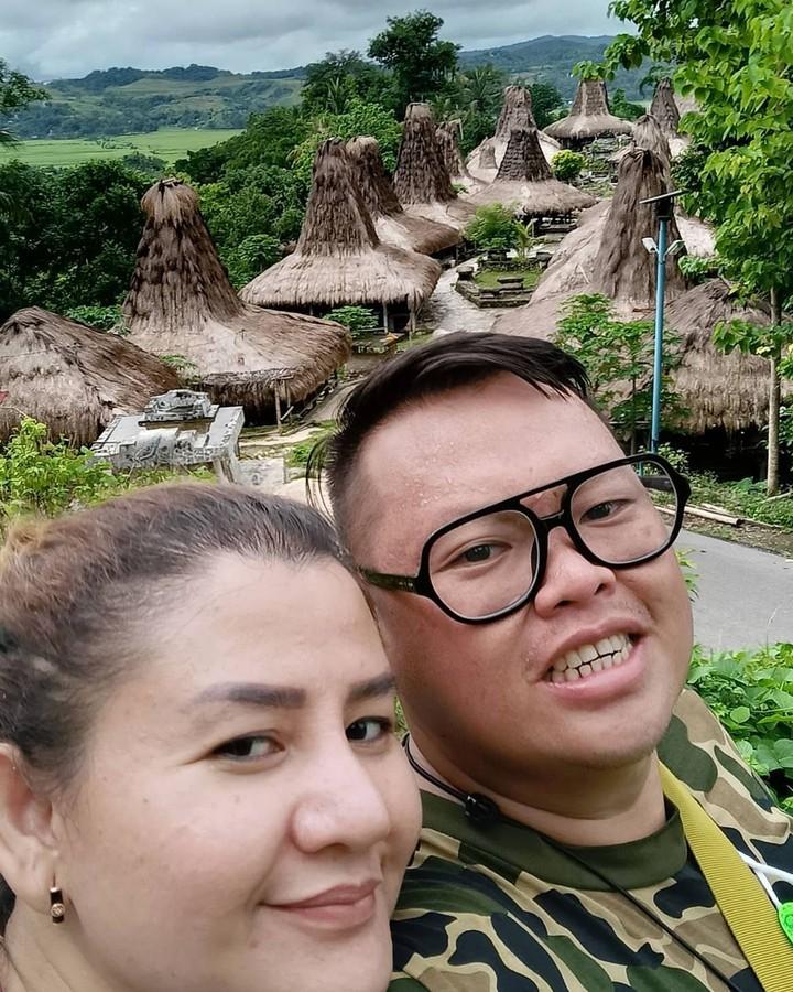 Reza Bukan dan Istri