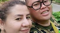 <p>Reza Bukan menikah kedua kalinya pada 27 September lalu secara sederhana dan dihadiri keluarga serta rekan terdekat. Ia menikah dengan seorang pendeta bernama Serevina Silaen. (Foto: Instagram @rezabukan)</p>