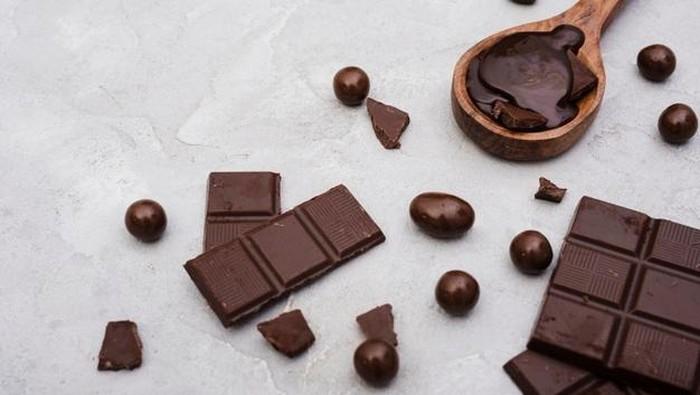5 Makanan yang Baik Dikonsumsi Saat PMS, Terbukti Bisa Tingkatkan Mood!