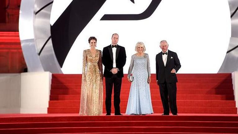 Potret Keluarga Kerajaan Inggris Saat Hadiri Premier Film James Bond 'No Time to Die'