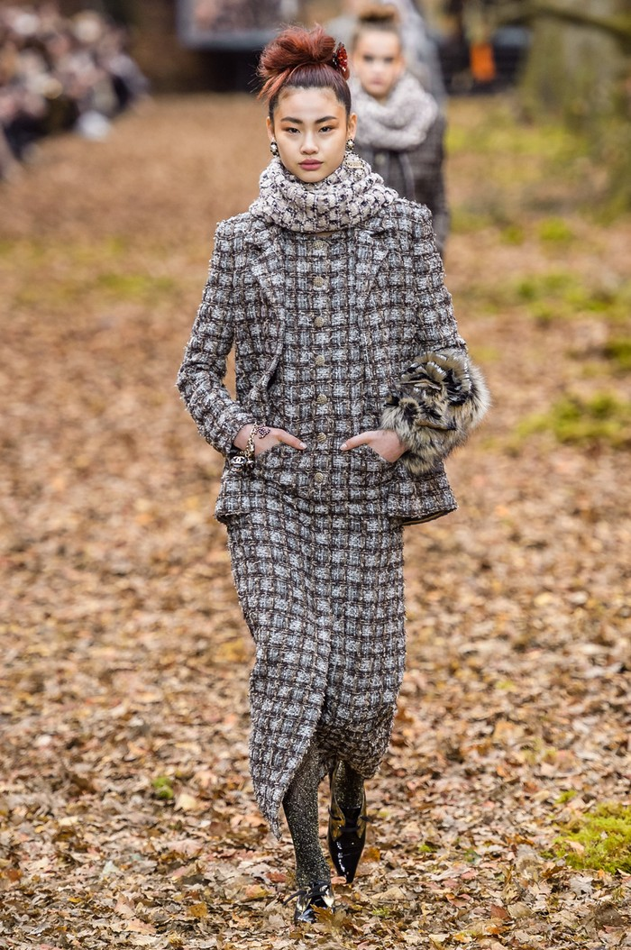 Mendiang Karl Lagerfeld juga sempat merekrutnya untuk berjalan di peragaan Chanel koleksi fall/winter 2018.Foto: livingly.com/IMAXtree