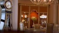<p>Ruang makannya juga mewah dan memiliki gaya dan warna senada dengan interior rumahnya. (Foto: YouTube Boy William)</p>
