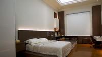 <p>Walaupun rumah bergaya klasik, justru kamar Dave memiliki desain modern dan minimalis. (Foto: YouTube Boy William)</p>