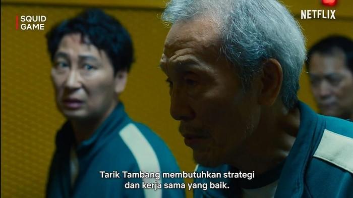 4 Tips Menang Tarik Tambang ala Kakek Oh Il Nam di 'Squid Game'