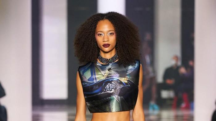 Lanvin Jadikan Film Batman Sebagai Inspirasi Koleksi Terbarunya yang Glamor di Paris Fashion Week