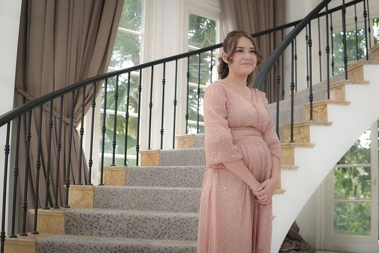 Potret Amanda Manopo dengan Baby Bump yang Menggemaskan!