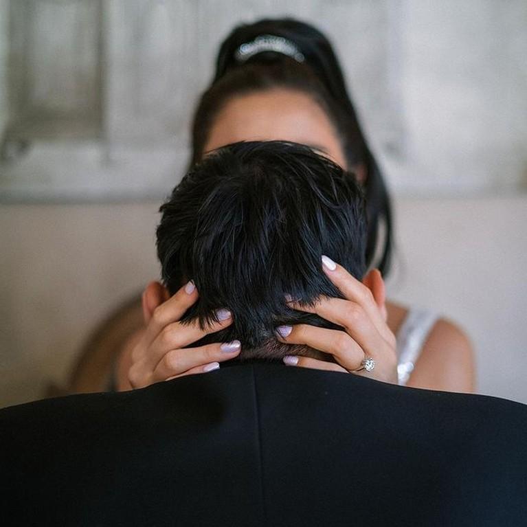 Jessica Iskandar dan Vincent Verhaag menjalani prosesi pemotretan prewedding. Yuk kita intip potretnya!