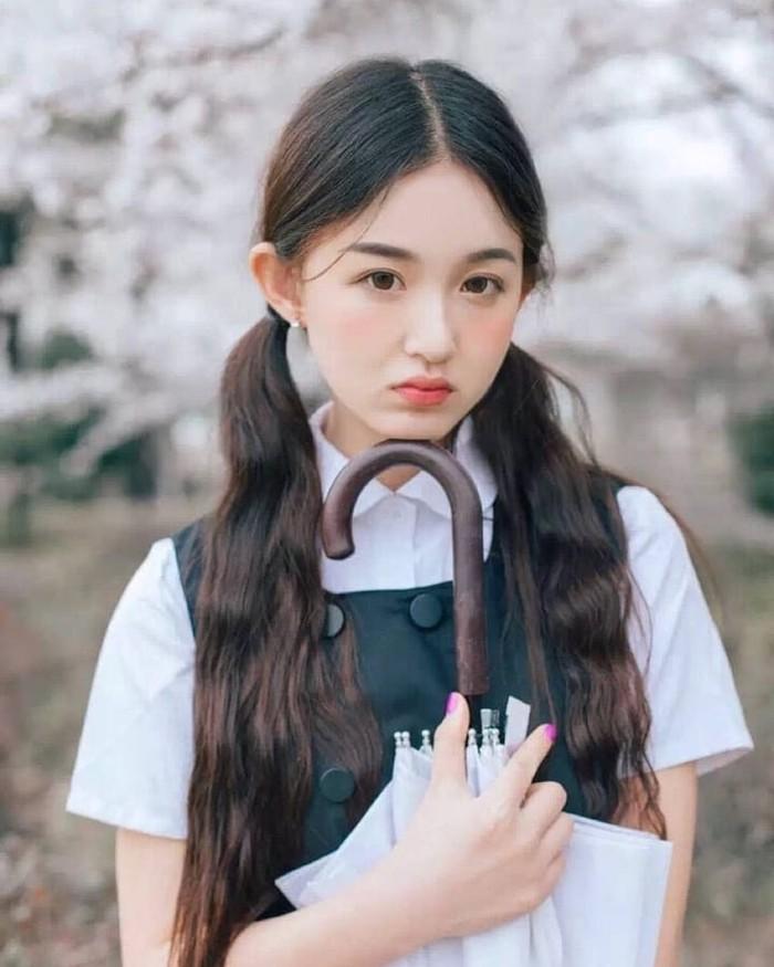 Ji Mei Han ini memulai debutnya di tahun 2020 dalam drama berjudul 'Green Water and Green Hills With a Smile'. Aktris yang kini berusia 23 tahun ini mendapatkan peran utama dalam drama berjudul 'Make My Heart Smile'. /Foto: instagram.com/@ji_mei.han