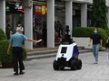 Robot Patroli Bikin Warga Singapura Resah: Seperti Robocop