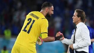 Mancini Marah Donnarumma Dihina Fan di Laga Italia vs Spanyol