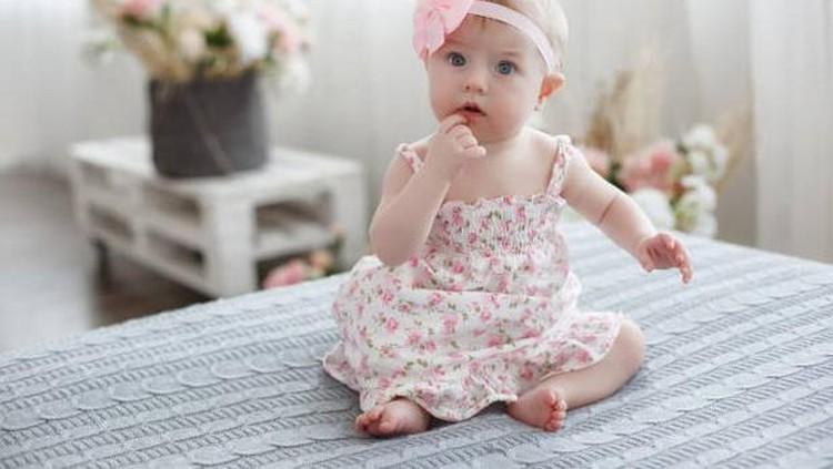 Bunda akan segera melahirkan di bulan Oktober? Yuk cek rekomendasi daftar nama bayi perempuan terinspirasi dari bulan Oktober. Banyak makna ceria dan optimis.
