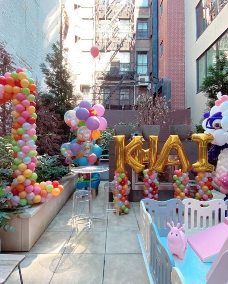 Gigi Hadid dan Zayn Malik baru saja merayakan ulang tahun putrinya baby Khai yang ke 1. Yuk kita intip momen perayaannya!