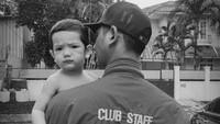 <p>Anak tampan yang memiliki nama panggilan Ibrahim ini lahir pada 11 September 2019, Bunda. Kini, usianya sudah genap dua tahun, lho. (Foto: Instagram: @arya.saloka)</p>