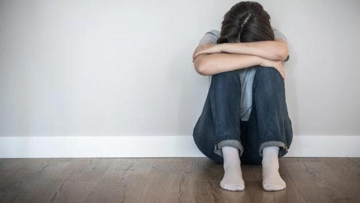Nggak Cuma Kesulitan Atur Emosi, Ini 5 Tanda Kamu Sudah Terhitung Butuh Bantuan Profesional Mental Health, Menurut Ahli