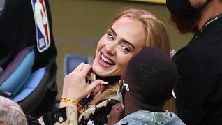 Adele Bocorkan Lagu ke Fan Lewat Instagram Live