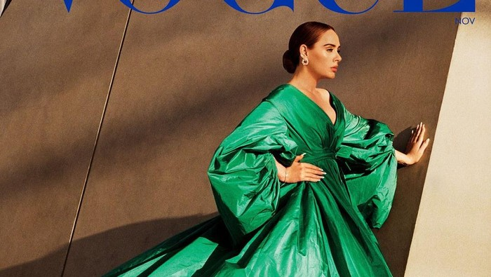 Adele Tampil di Cover Majalah Vogue Amerika dan Vogue Inggris Secara Bersamaan, Lebih Suka yang Mana?