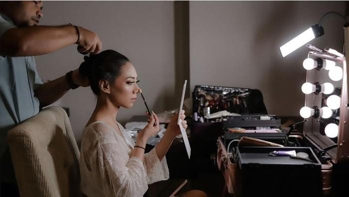 3 Beauty Influencer Ini Tampil Percaya Diri dengan Makeup Sendiri di Hari Pernikahannya, Berani Ikut Coba?