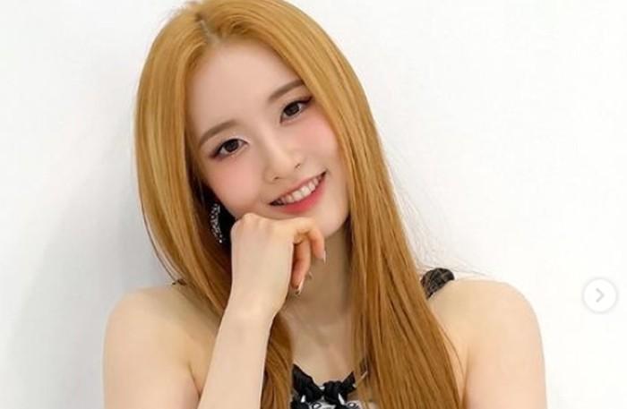 Bersama STAYC, Sieun sukses menjadi idol rookie populer. Lagu mereka yang berjudul ASAP juga sempat viral dan menjadi salah satu sound paling populer di TikTok./Foto: instagram.com/stayc.sieun