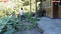 <p>Di negara sang suami,Tika diajak tinggal di sebuah rumah tua nih, Bunda. (Foto: YouTube Daily Tika Weixun di China)</p>